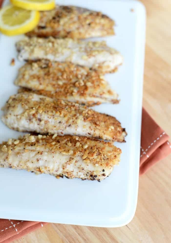 Super Simple Almond Encrusted Tilapia #dinner #cleaneats