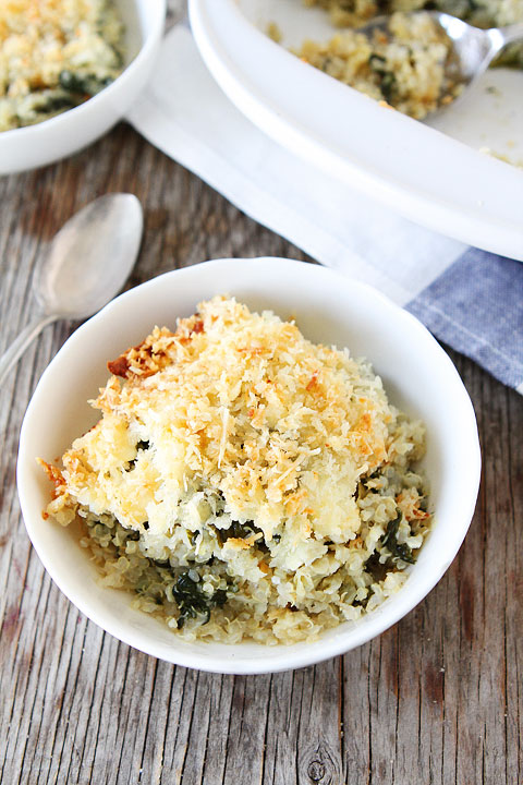 Spinach Artichoke Quinoa Bake-quinoa, spinach, artichokes, lots of cheese, and a Parmesan panko topping! This quinoa bake makes a great meal!