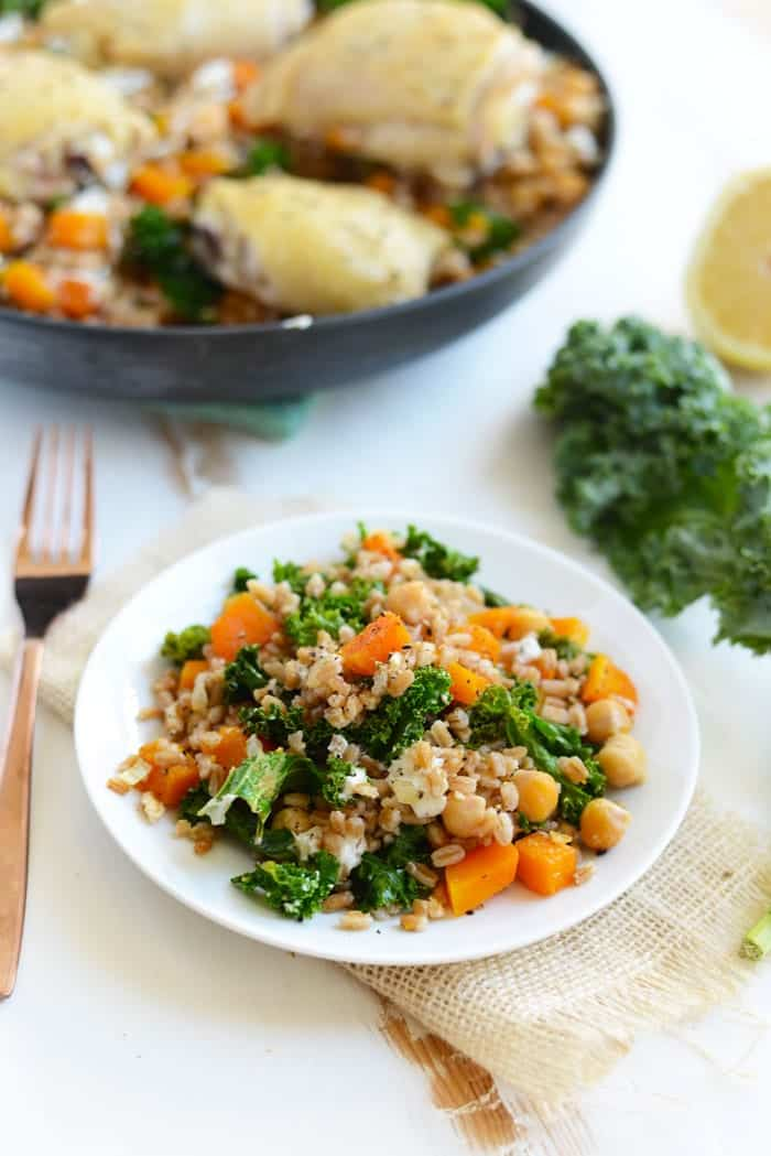 Roasted Butternut Squash and Goat Cheese Farro Salad- a delicious, detoxifying dinner made with whole grains and tons of veggies!