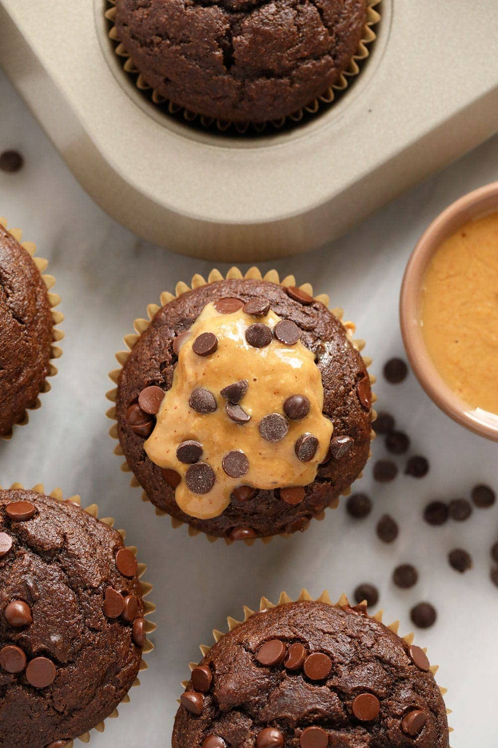 muffins with pb and chocolate chips