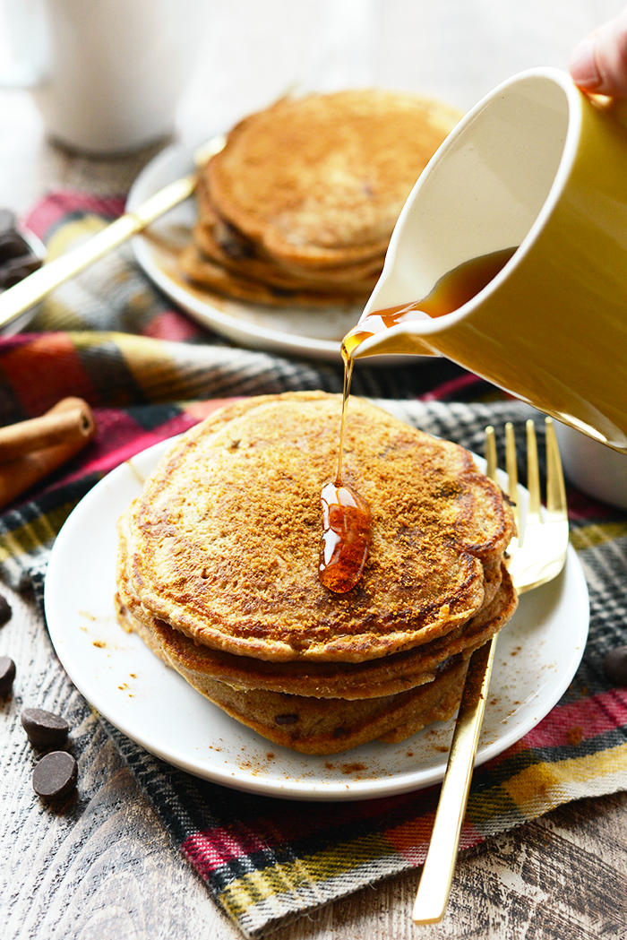 Looking for a hostess gift? Look no further! Grab a jar and layer up all of the ingredients for these delicious Chocolate Chip Snickerdoodle Pancakes!