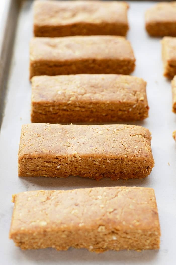 With just a few simple ingredients you can make protein bars in your own kitchen that have 13g protein in ever bar!