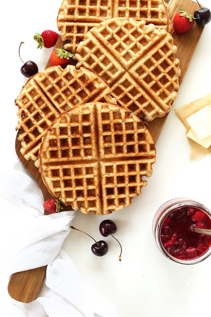 7 ingredient vegan gluten free waffles that require less than 30 minutes! Wholesome, naturally sweetened, and customizable with spices and fruit!
