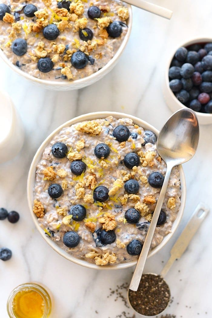 bowl of overnight oats blueberry
