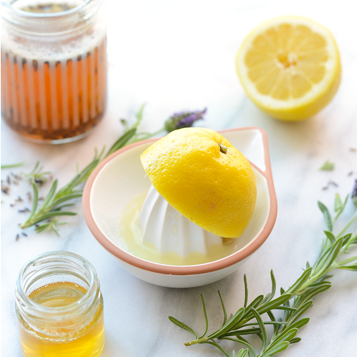 Honey Lavender Lemonade- made with lavender-infused honey simple syrup, this lemonade is perfectly refreshing and made with no refined sugars!