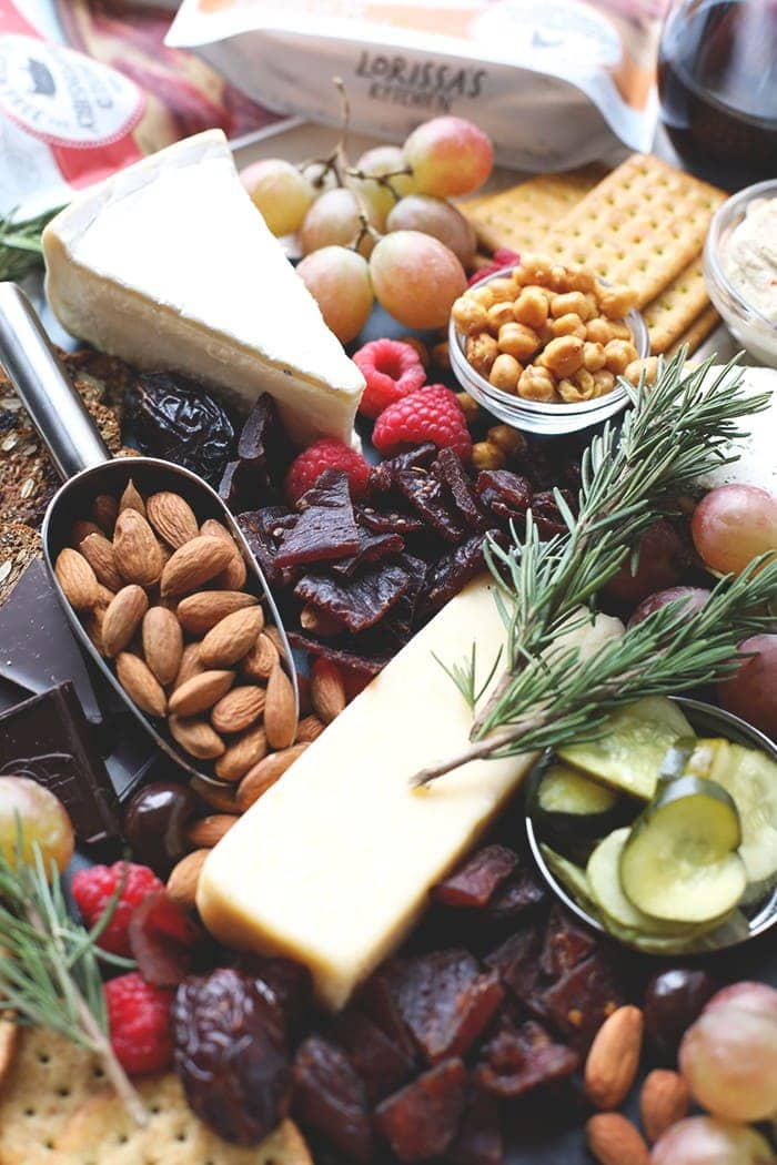 Tis the season for meat and cheese boards! I'm here to give you the low down on all things charcuterie boards with FFF partner, Lorissa's Kitchen!