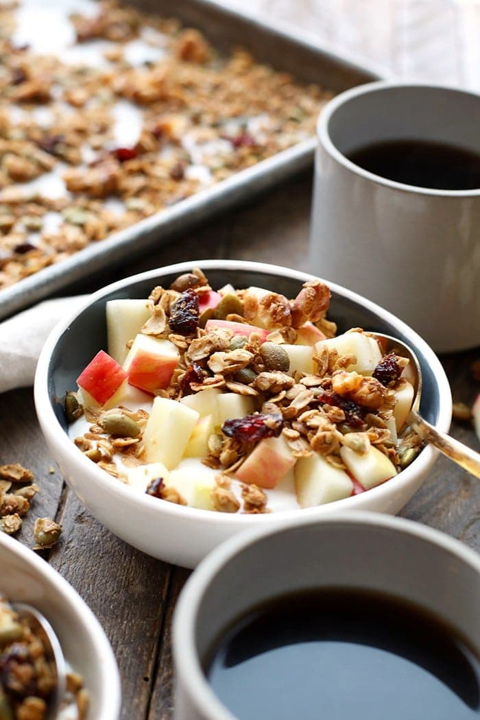 Kickstart 2017 with a breakfast packed with protein, whole grains, and fresh fruit! Prep your Greek yogurt breakfast bowls ahead of time for an easy grab and go in the AM.
