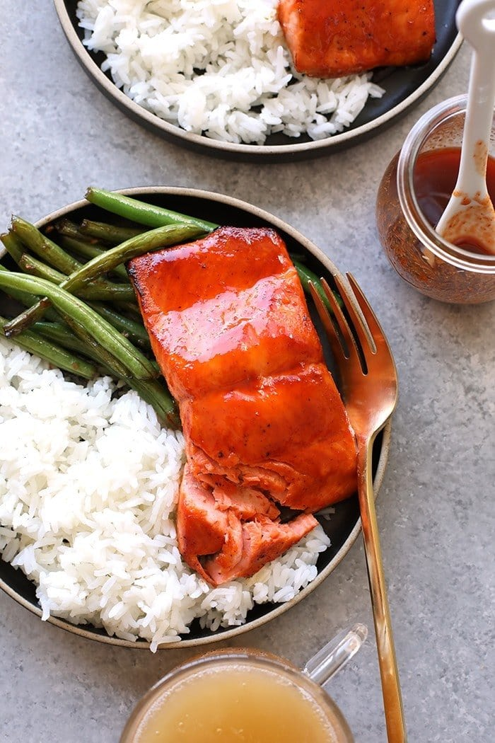 honey sriracha salmon with rice and green beans