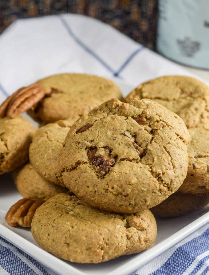 Vegan maple pecan cookies, made gluten-free with Bob's Red Mill 1:1 Flour and packed with aromatic maple, pecan, and toasted oat flavor. The perfect cookie that everyone at your holiday table can enjoy!