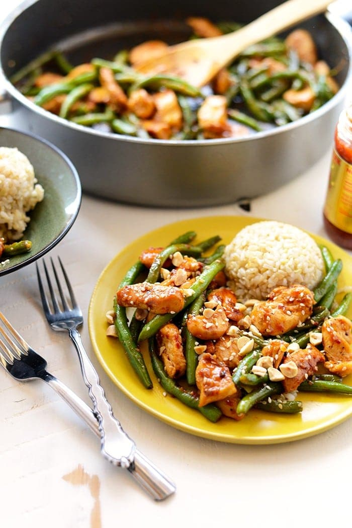 Got 20 minutes? Make this Healthy Kung Pao Chicken with just 8 simple ingredients for a protein-packed, paleo-friendly dinner!