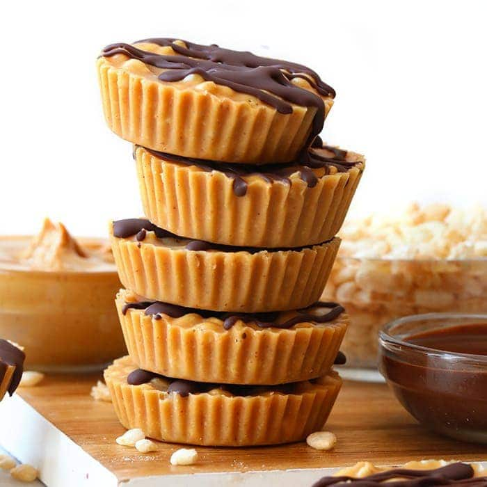 Have your healthy peanut butter cup and rice crispy treat too! These rice crispy peanut butter cups are made with just 5 simple ingredients and make for the perfect after dinner healthy treat.