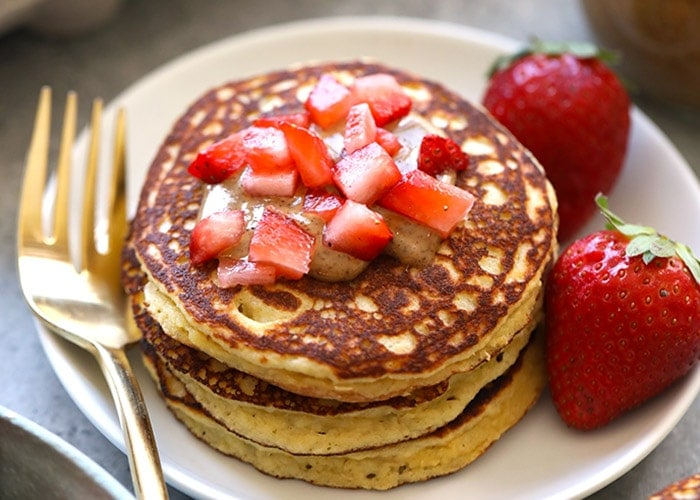 3-Ingredient Almond Flour Banana Pancakes