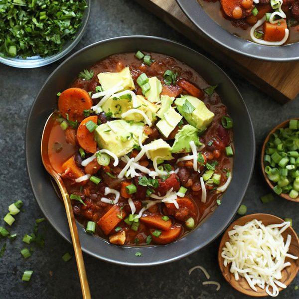 Instant Pot Vegan Chili in a bowl