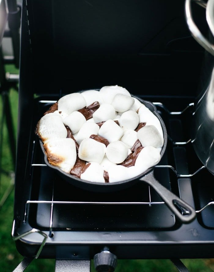 Smores dessert on the stove