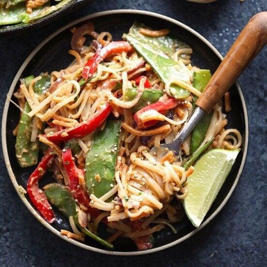 vegan pad thai with thai peanut sauce