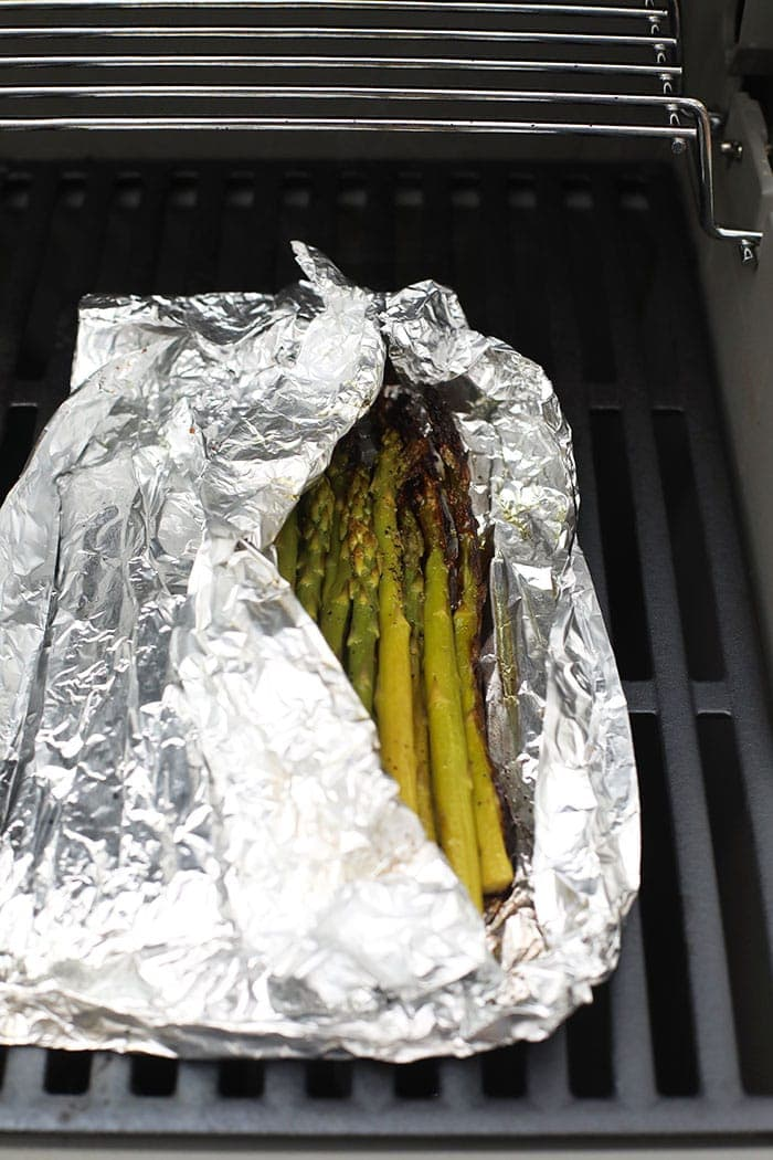 asparagus in foil on grill