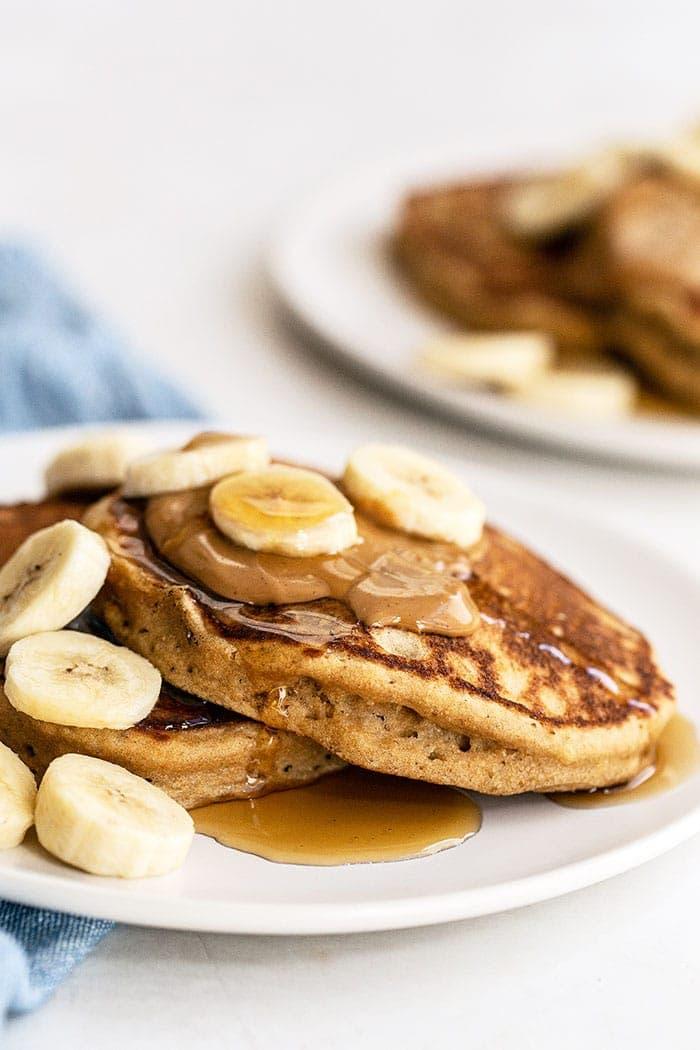A plate of peanut butter banana pancakes
