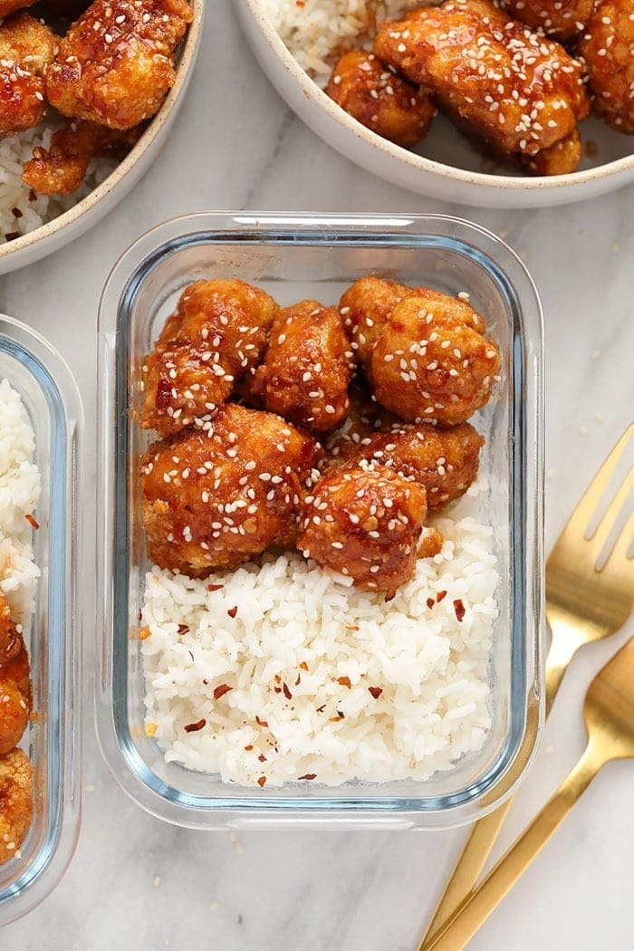 General Tsos Cauliflower in a meal prep container