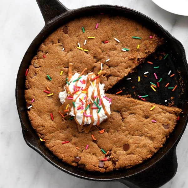 cookie cake in cast iron