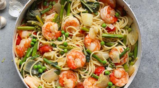 Shrimp pasta in a pan