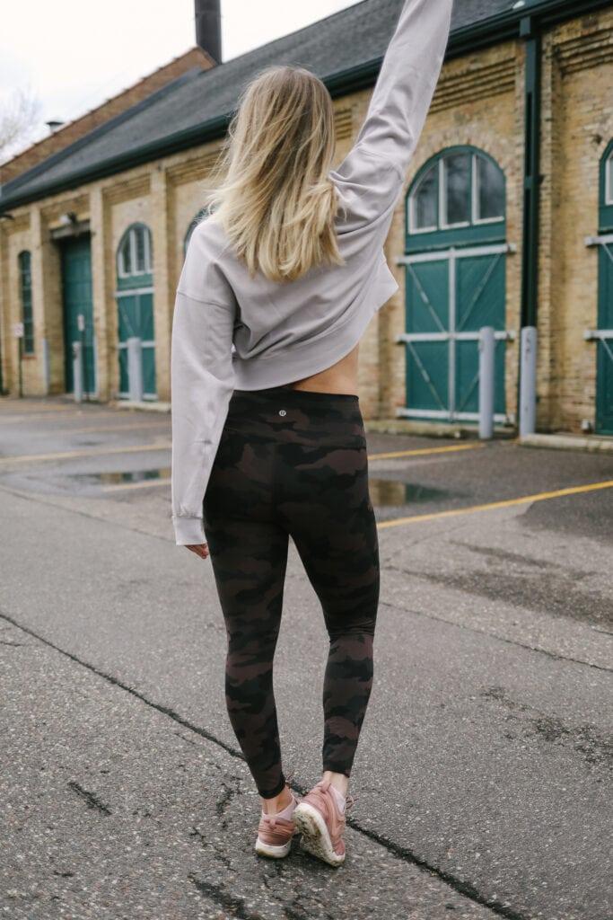 lee wearing lululemon workout gear
