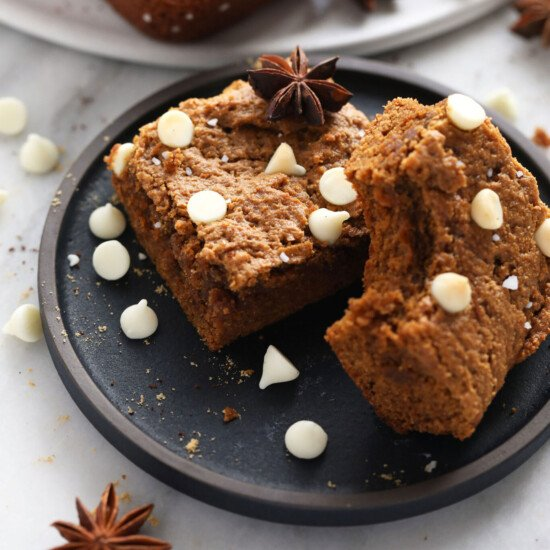 gingerbread cookie bars on a plate