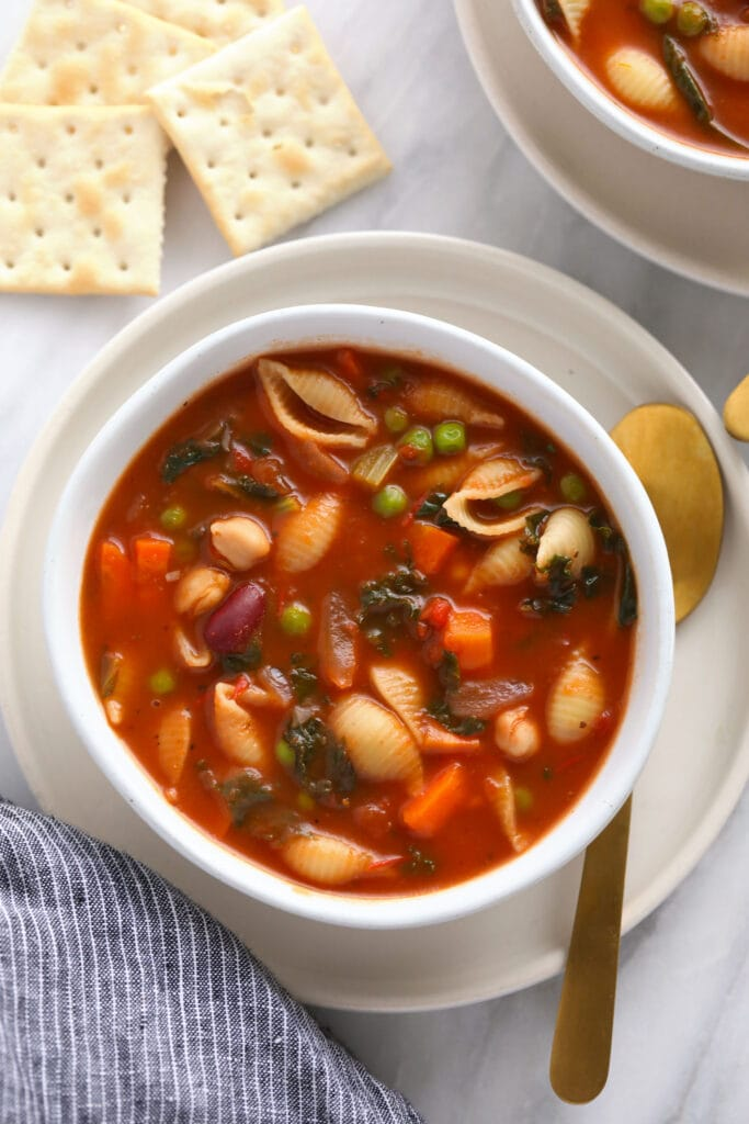 A bowl of minestrone soup.