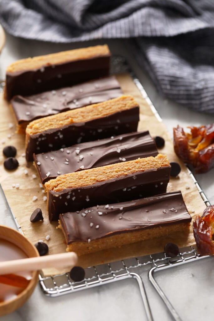protein bars sliced