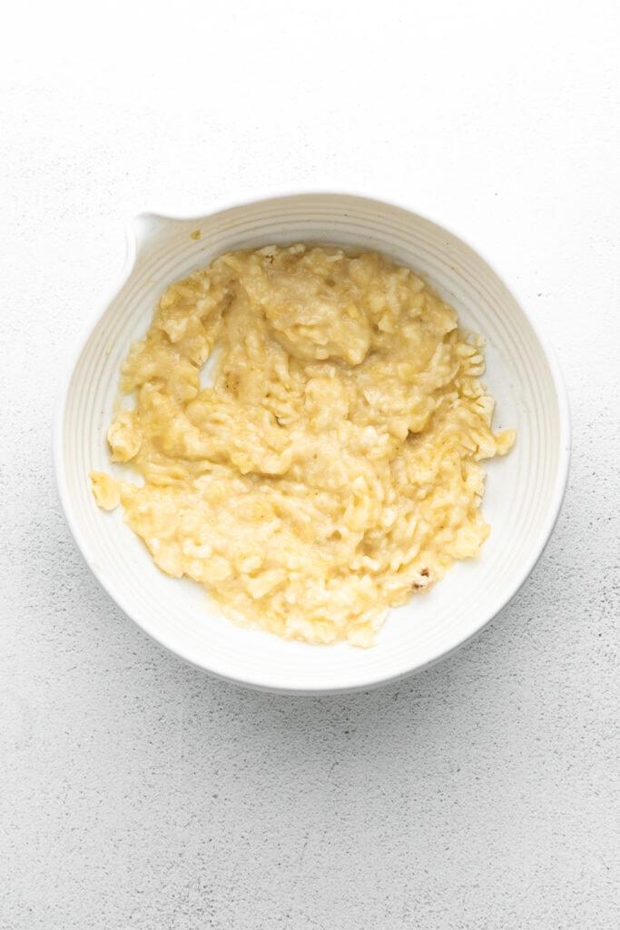 mashed banana in bowl