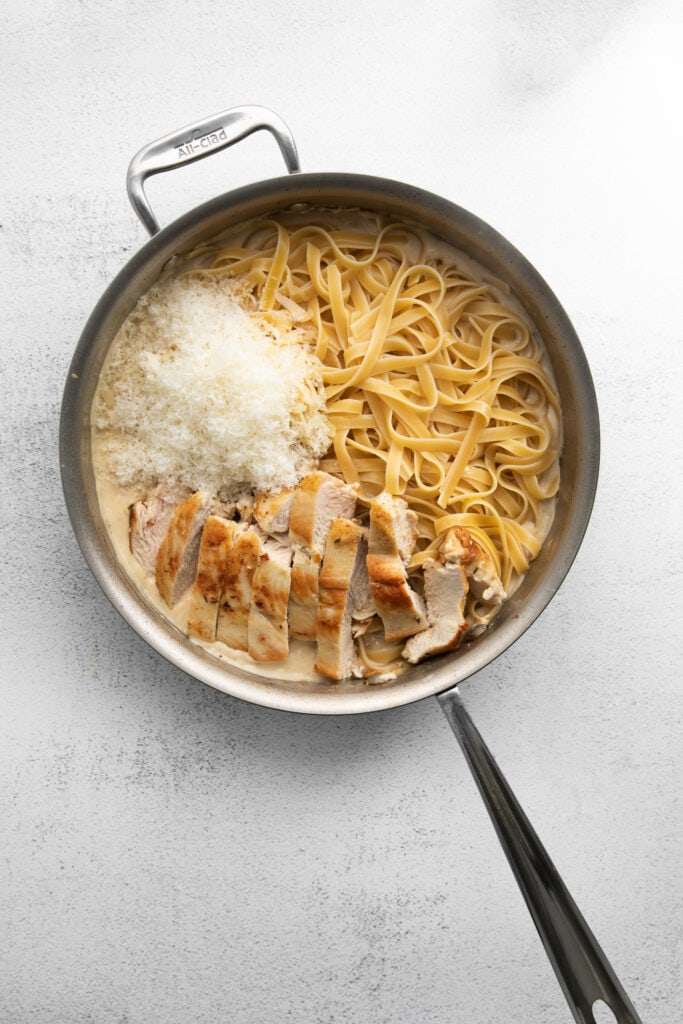 chicken alfredo in frying pan
