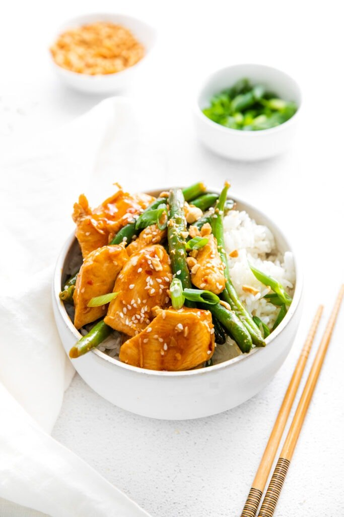 kung pao chicken in bowl
