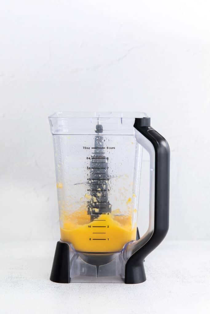 frozen mango margarita in blender