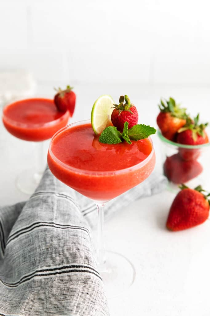 strawberry daiquiri with lime and fresh mint